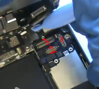 déconnecter nappe caméra avant